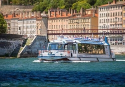 Boat cruise in Lyon
