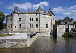 Grande-Sauve Abbey - Château de la Brede